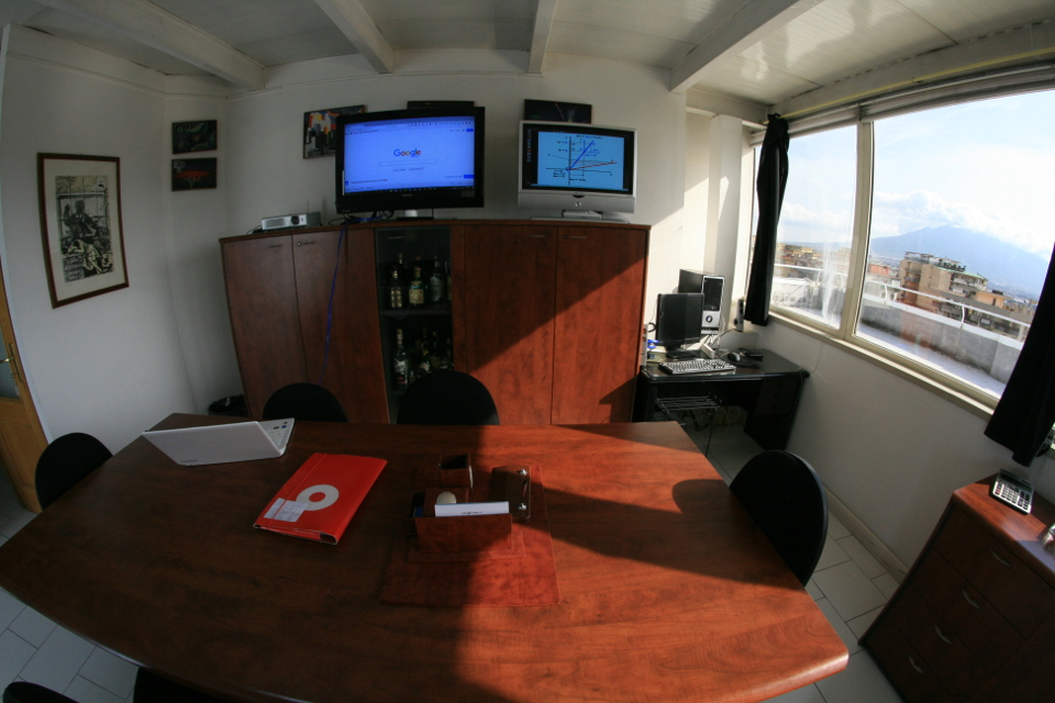 Day Offices for rent to let Naples Italy